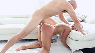 Fat-ass babe enjoys hot anal-fucking session
